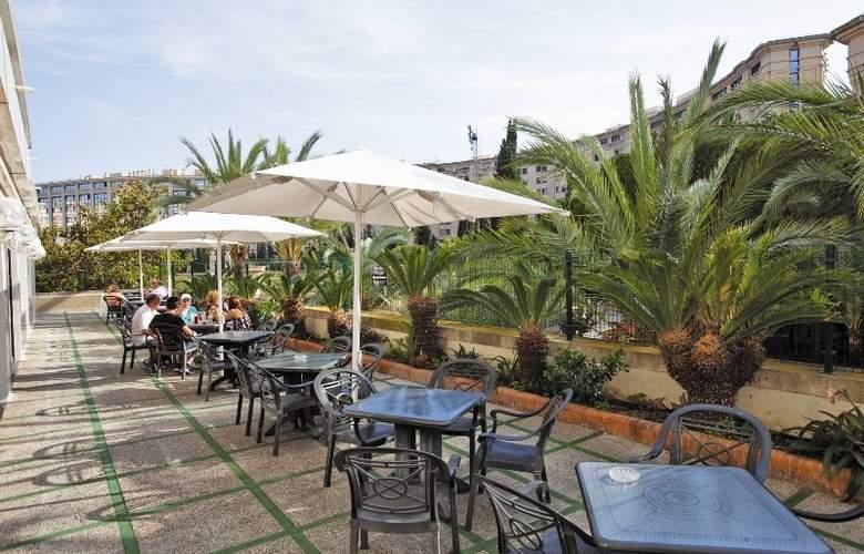 Prince Park - Terrace - 10