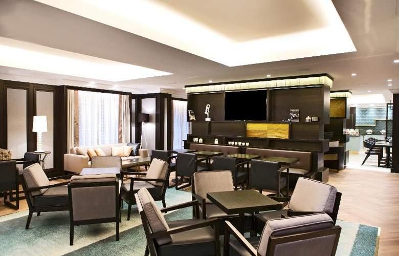 Hilton Vienna Plaza - Restaurant - 17