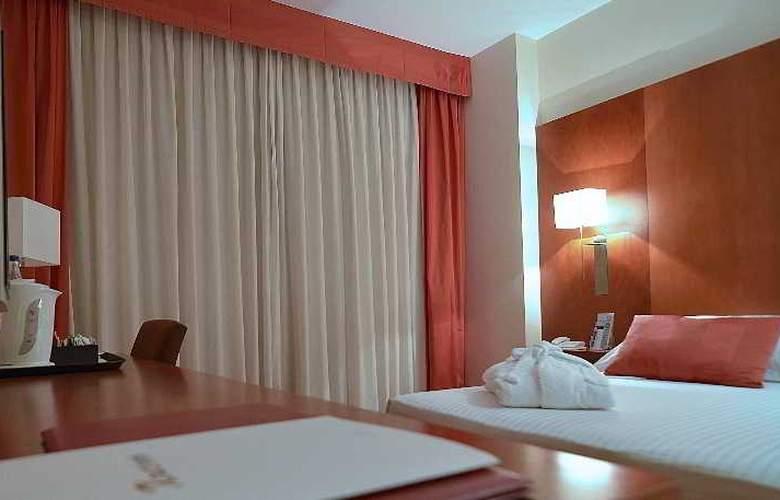 Xon's Valencia - Room - 8