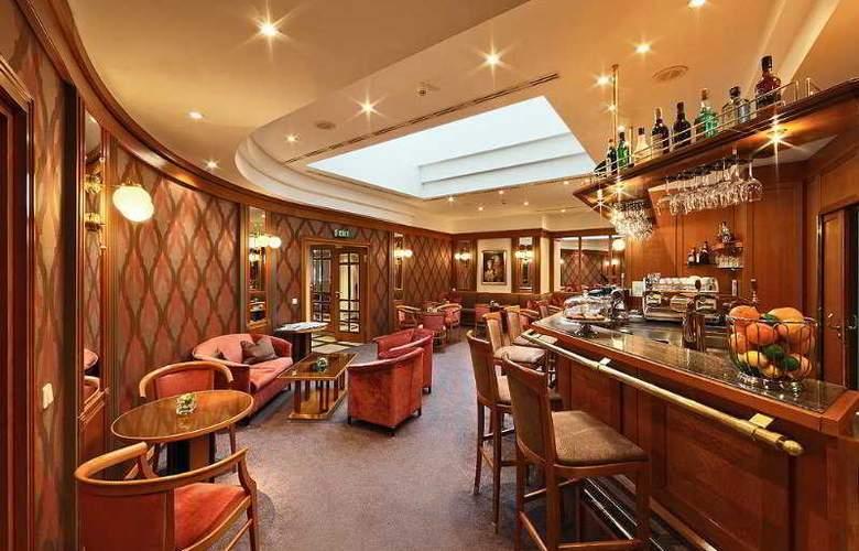 Grand Hotel Bohemia - Bar - 4