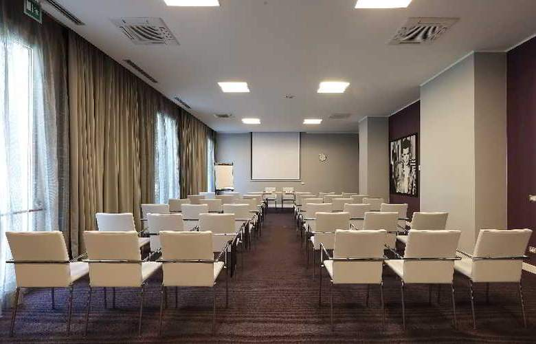 Holiday Inn Milan Nord Zara - Conference - 4