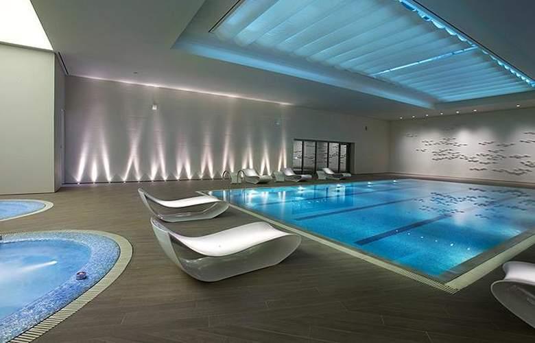 Lotte Hotel Seoul - Pool - 1