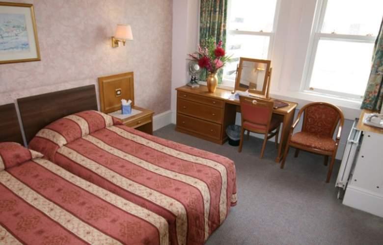 Chatsworth - Room - 1