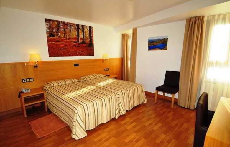 Lacreu - Room - 8