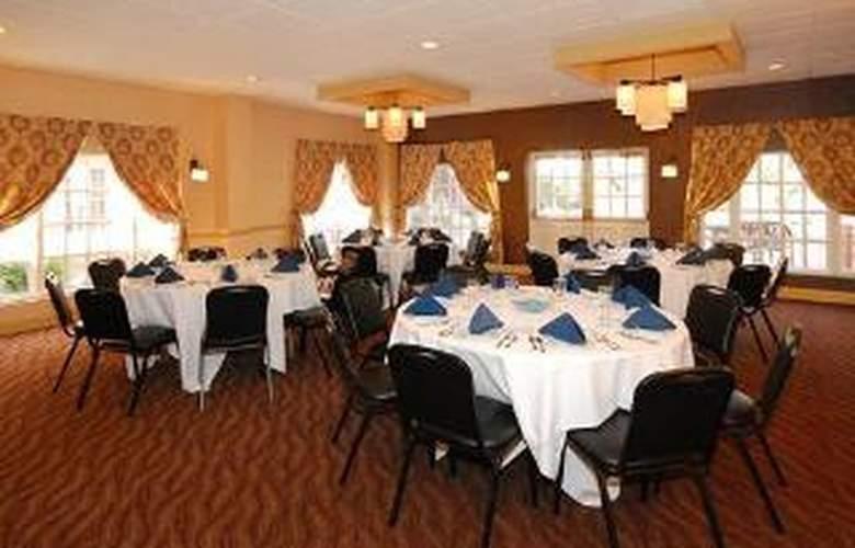 Clarion Hotel Palmer Inn - General - 4