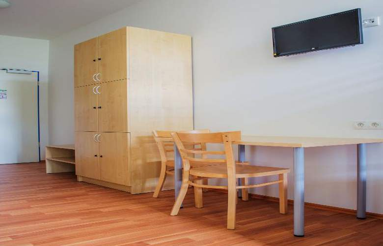A&O Stuttgart City - Room - 11