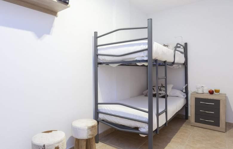 Apartamentos Segle XX - Room - 12