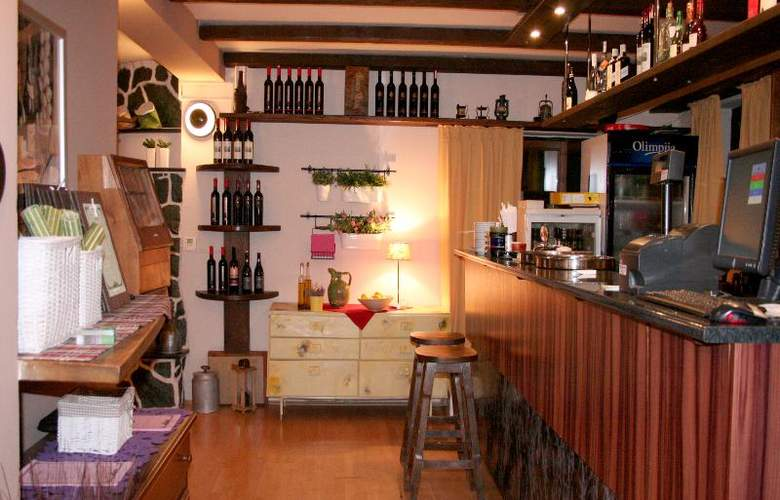 GUESTHOUSE DRUGA KUCA - Bar - 29