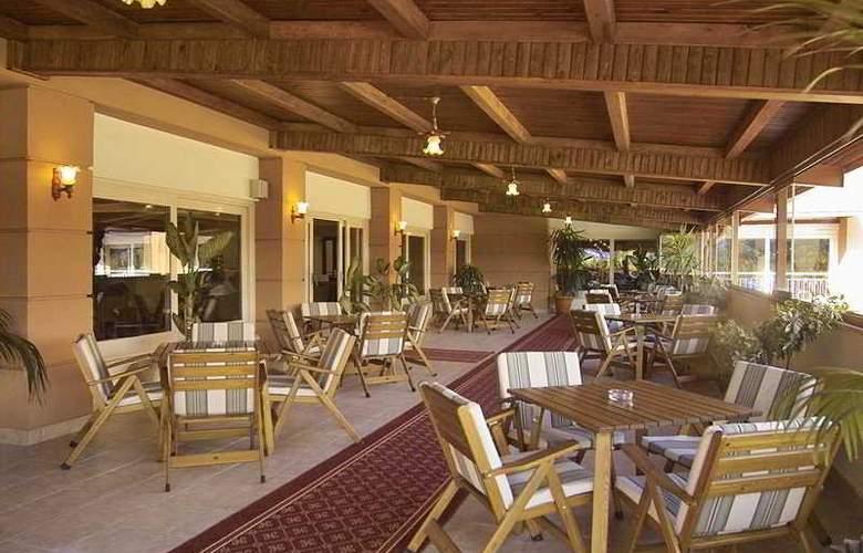 Rose Resort - Terrace - 7