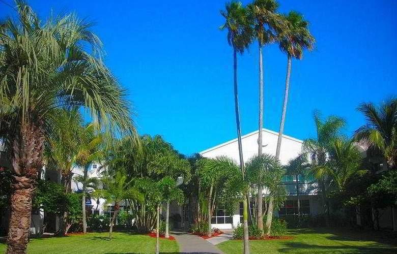 Beachcomber Beach Resort & Hotel - General - 2