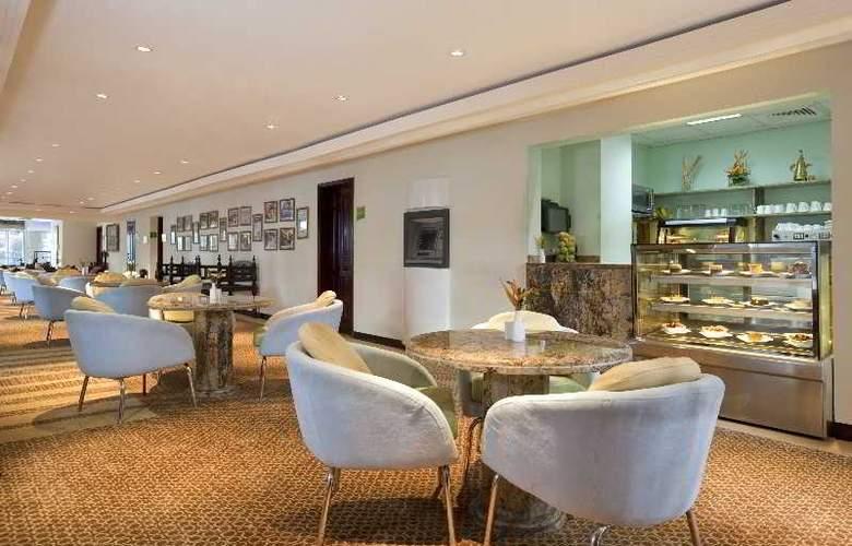 Holiday Inn Dar Es Salaam - Bar - 12