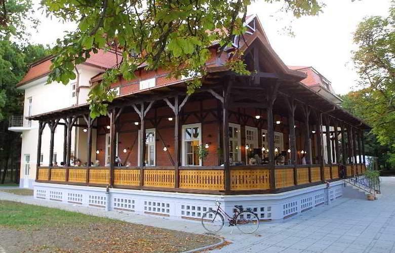 Hotel Korana Srakovcic - Terrace - 20
