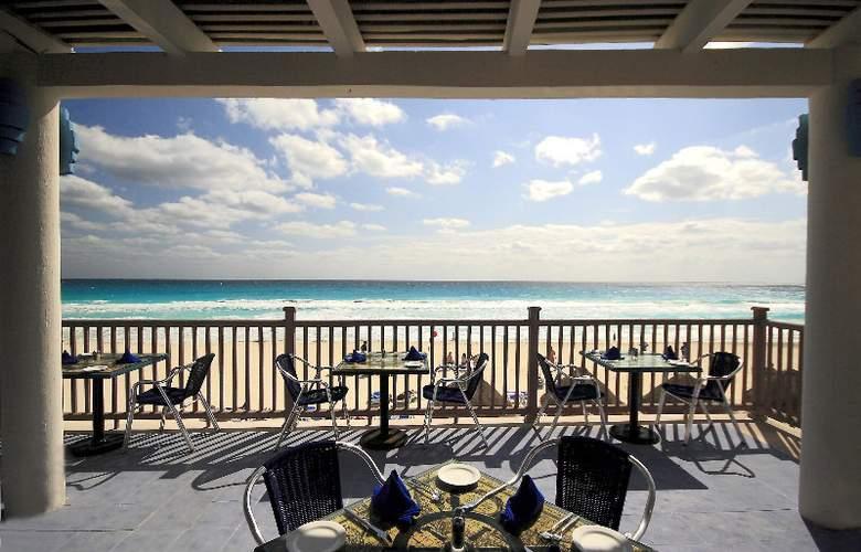 Golden Parnassus Resort & Spa All Inclusive - Terrace - 29