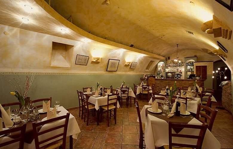 Rt Regent - Restaurant - 4