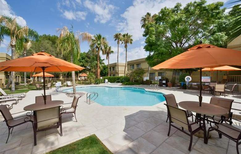 Best Western Tucson Int'l Airport Hotel & Suites - Pool - 117