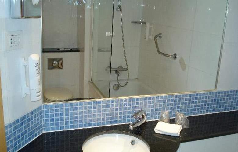 Holiday Inn Express Valencia Bonaire - Room - 9