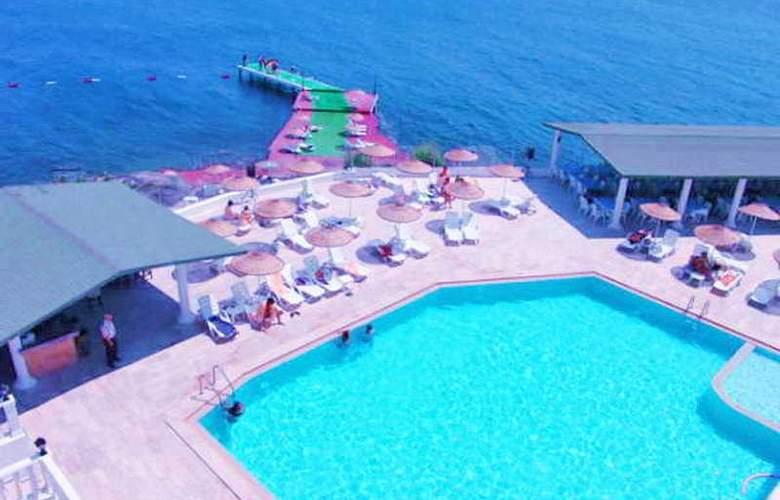 Acacia Hotel - Pool - 6