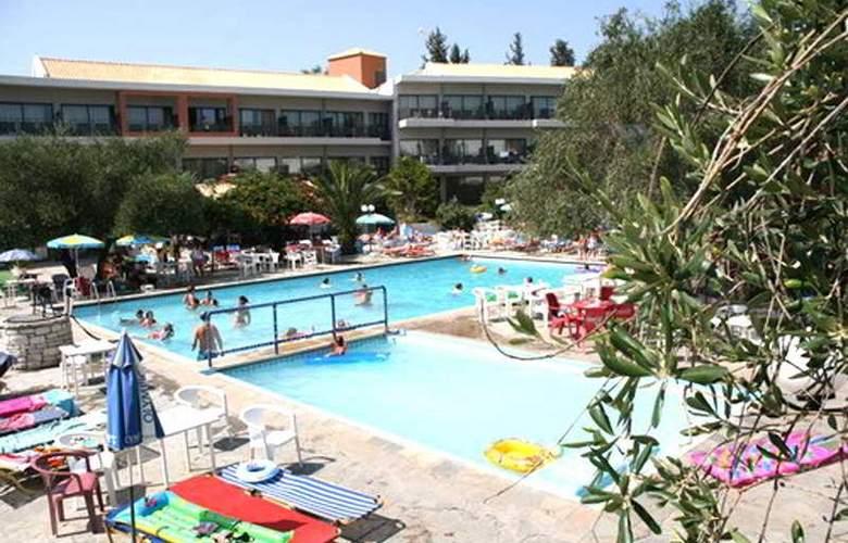 Telemachos - Pool - 7