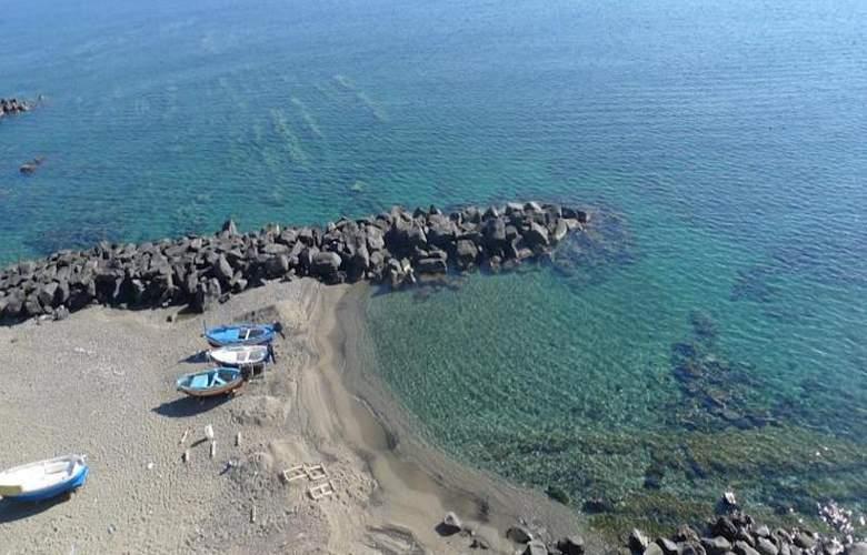 La Riva - Beach - 7