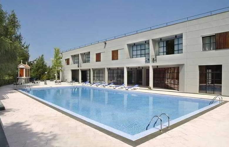 A Estrada - Pool - 3