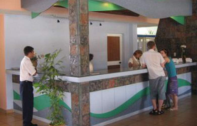 Gran Caribe Rancho Luna All Inclusive - Bar - 4