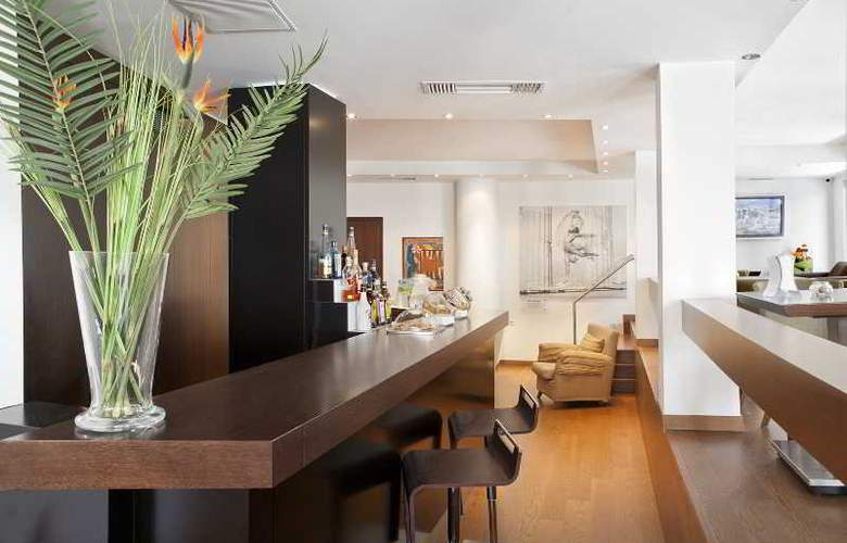 Plaka Hotel - Bar - 9