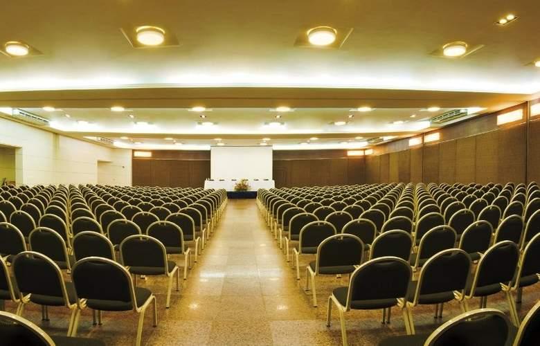 Ponta Mar - Conference - 6