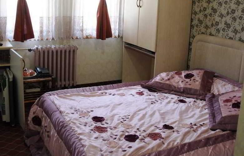 Ani & Sems - Room - 4
