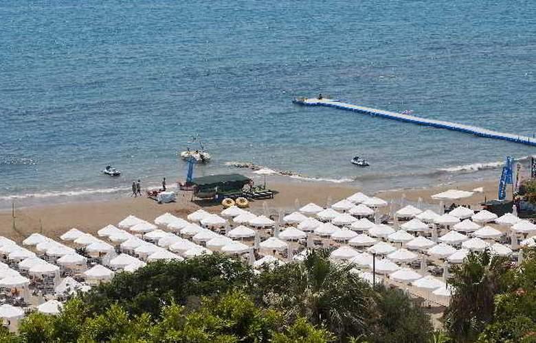 Crystal Sunset Luxury Resort & Spa - Beach - 20