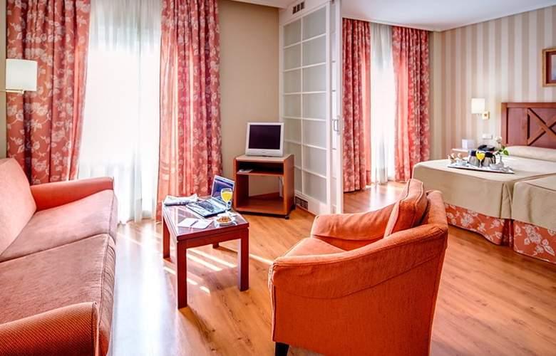 Ilunion Alcora Sevilla - Room - 9