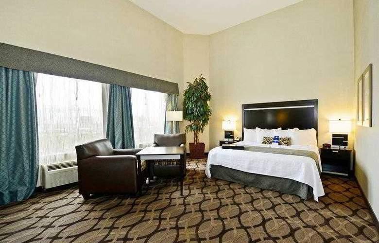 Best Western Plus Travel Hotel Toronto Airport - Hotel - 14