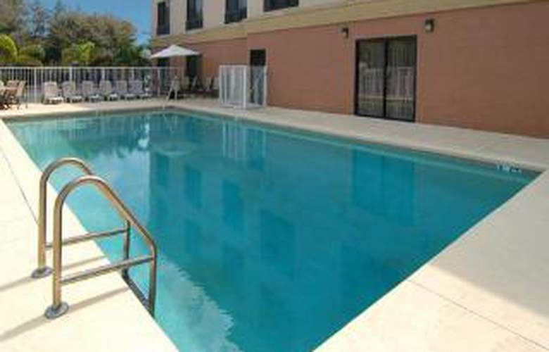Comfort Suites UCF/Research Park - Pool - 5