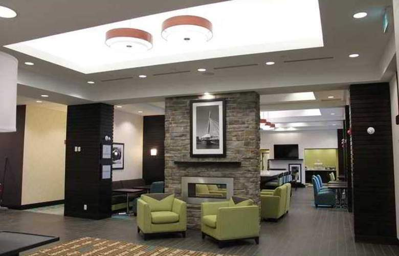 Hampton Inn Winnipeg Airport - General - 12