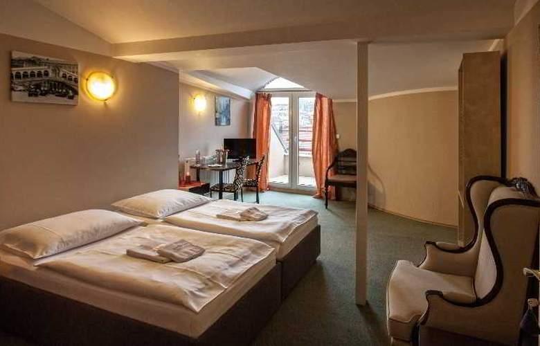 Otakar - Room - 5
