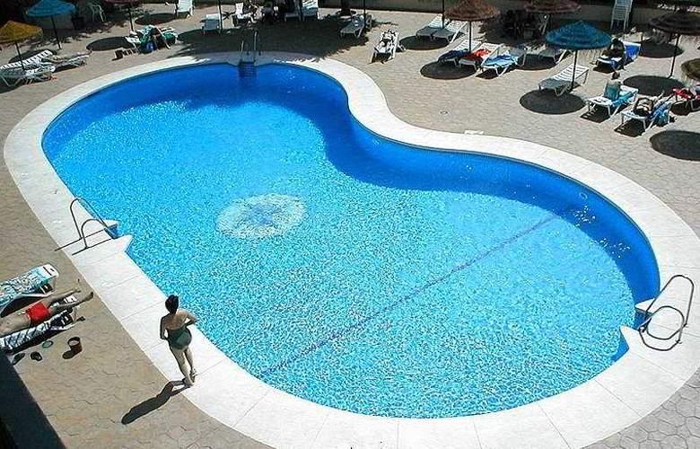 Flatotel Internacional - Pool - 6