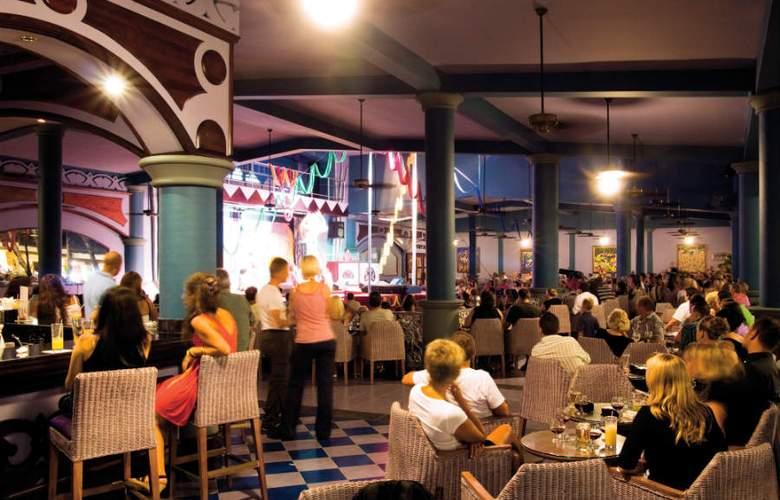 Club Hotel Riu Bambu  - Terrace - 7