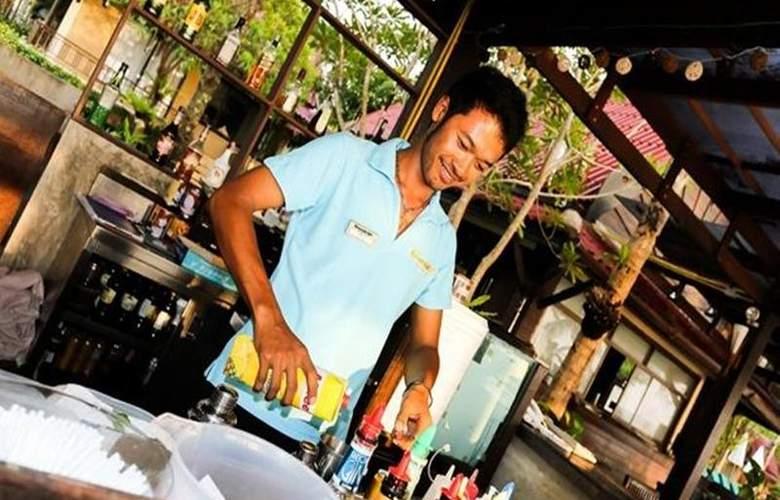 Khaolak Emerald Beach Resort & Spa - Bar - 17