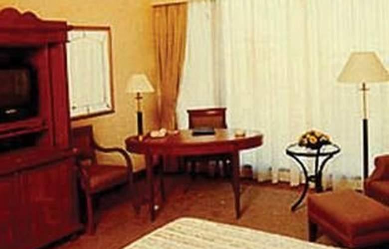 Cinnamon Grand - Room - 2