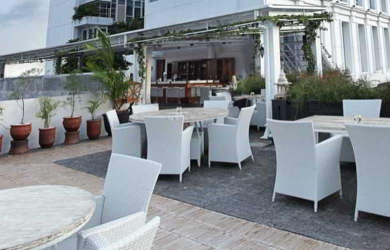Jambuluwuk Malioboro Boutique Hotel - Restaurant - 19
