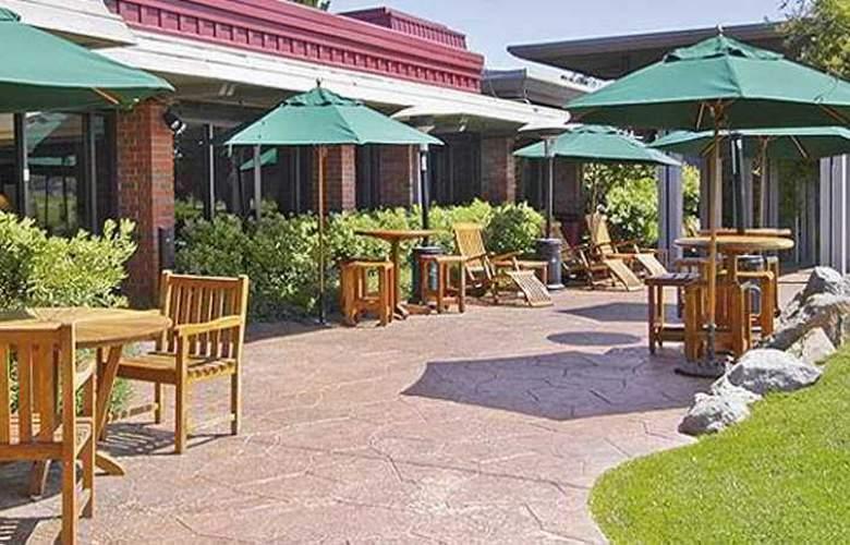 Hyatt Regency Monterey - Terrace - 9