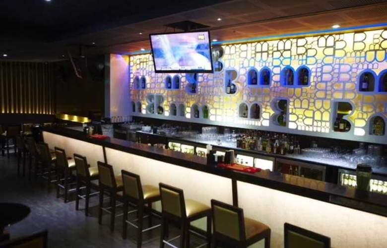 Somerset Greenways Chennai - Bar - 14