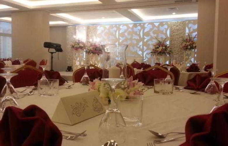 Best Western Mahboula Kuwait - Restaurant - 17