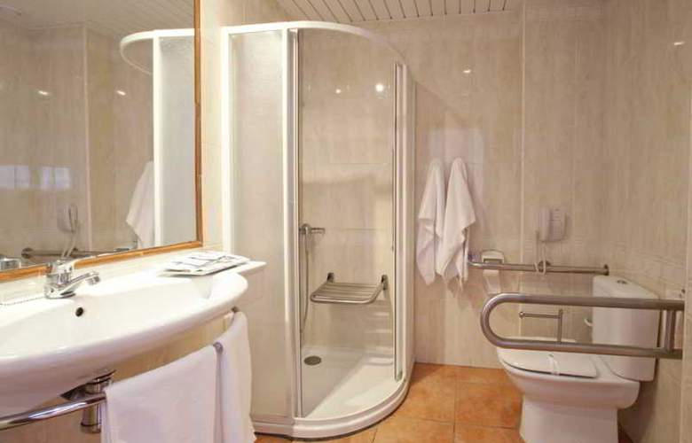 Simbad - Room - 17