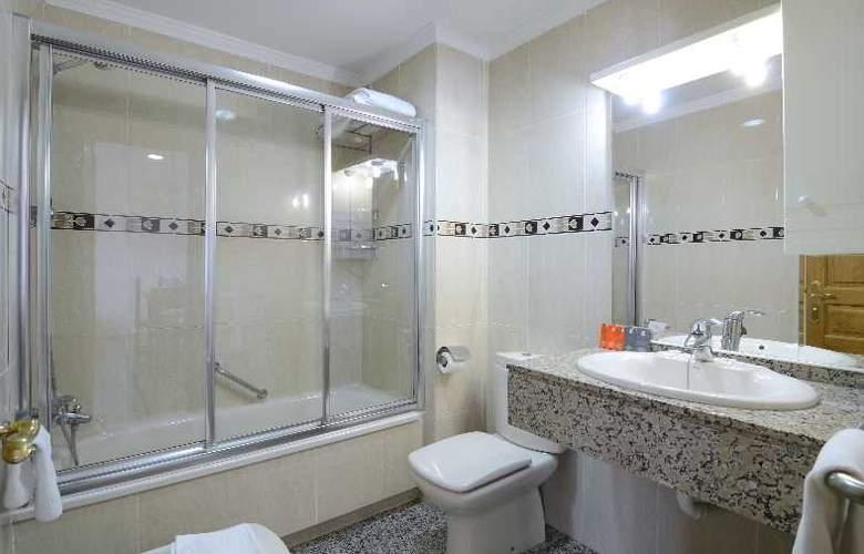 Apartamentos Nuria Sol - Hotel - 6