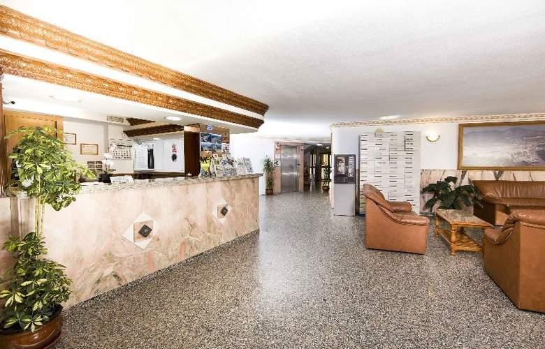 Hotel Apartamentos Veramar - General - 1