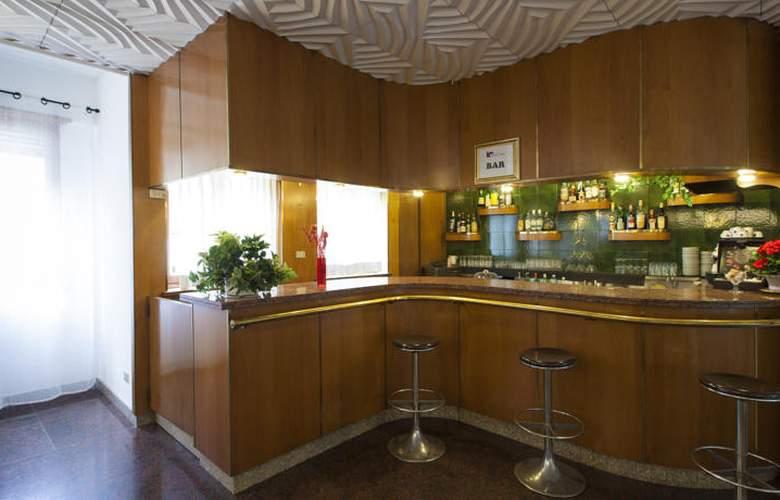 Cairo - Bar - 3