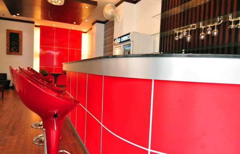 YK Patong Resort - Bar - 7