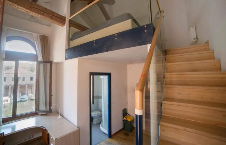 Sunny Terrace Hostel - Room - 24