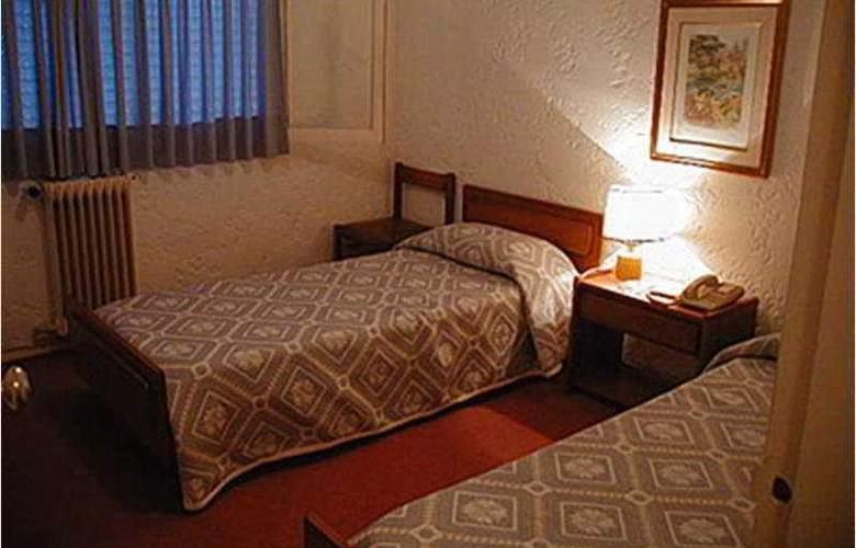 Ajax - Room - 1