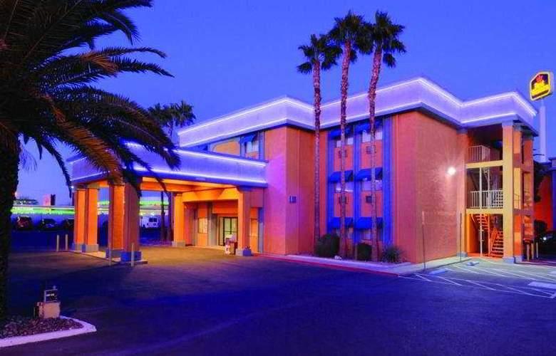 Best Western Orlando East Inn & Suites - Hotel - 0